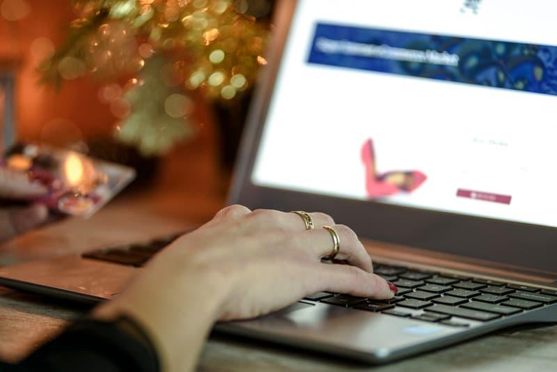 XX¿Afectará la pandemia las compras online de Navidad?